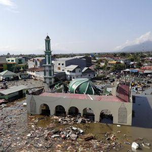 Palun kaupunkia tsunamin jälkeen.