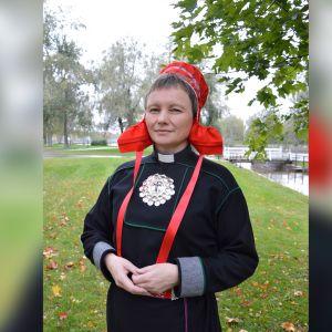 Vuoden papiksi 2018 on valittu saamelaistyön sihteeri Erva Niittyvuopio Oulusta.
