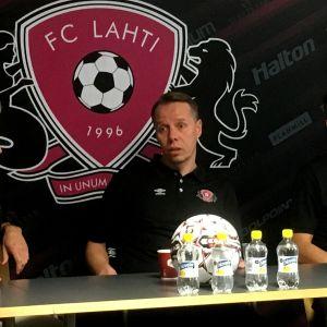 Vasemmalta lukien Pekka Lagerblom, Sami Ristilä ja Toni Lindberg.