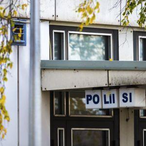 Ulkokuva Poliisin Kalajoen toimipisteestä.