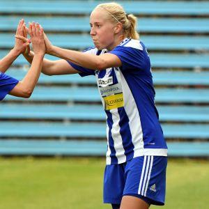 HJK:n Essi Sainio ja Eveliina Summanen tekivät molemmat maalit jalkapallon naisten liigan yläloppusarjan ottelussa FC Honka–HJK.
