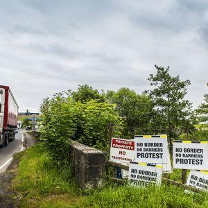 Irlannin tasavallan ja Pohjois-Irlannin välinen raja.