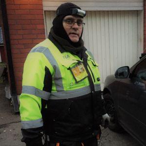 Joutsenolainen Autoliiton tiepalvelumies Keijo Paunio.