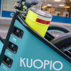 Sähköavusteinen kaupunkipyörä Kuopiossa.