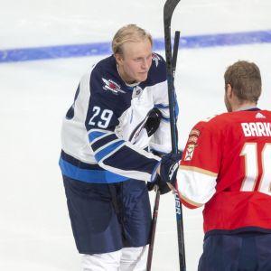 Patrik Laine ja Aleksander Barkov kuvassa