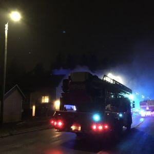 Tulipalo Vaasan Jääkärinpuistikolla 14.11.2018