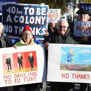 Flyget lamslas av brittisk strejk
