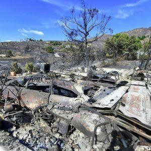 Maastopalon tuhoja Malibun alueella.