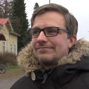 Isonkyrön kunnanvaltuuston puheenjohtaja Miko Heinilä.