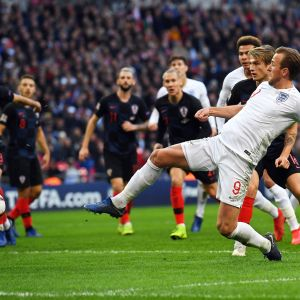 Harry Kane pelasti Englannin putoamiselta.