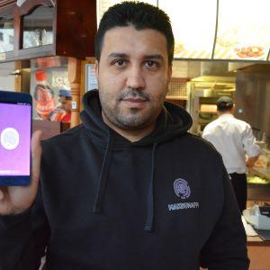 Turkulaisen Pouya Mohammadin yritys Arvo Mobile tekee sovelluksia mobiilimaksamiseen.