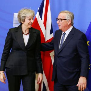 Theresa May ja Jean-Claude Juncker.