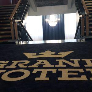 Grand Hotel Mustaparta.