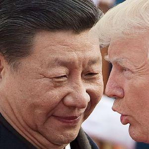 Xi Jinping ja Donald Trump lähikuvassa.