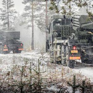 Kevyt raketinheitinpatteri Rovajärven maastossa Arctic Shield 18 -harjoituksessa Rovaniemellä.