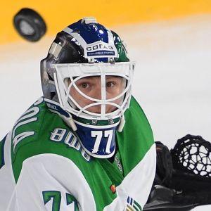 Juha Metsola Ufan maalilla.