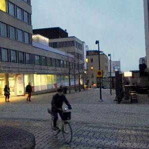 Hämeenlinnan toriparkin sisäänajo tulisi Linnankadun alaisen tunnelin kautta torin alle.