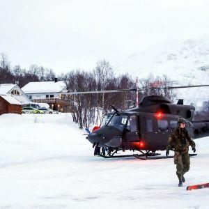 Armeijan helikopteri saapui Tamokdaleniin 4. tammikuuta.