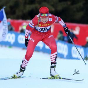 Venäjän Lida Durkina nousee Alpe Cermistä ylös Tour de Skillä.