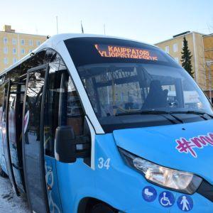 Porin Linjat citylinja keskussairaalalla bussi pikkubussi bussi pysäkillä bussipysäkillä