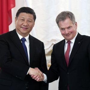 Presidentit Xi Jinping ja Sauli Niinistö tapaavat Helsingissä.