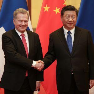 Presidentti Niinistö ja Kiinan presidentti Xi Jinping.