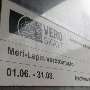 Meri-Lapin verotoimiston kyltti