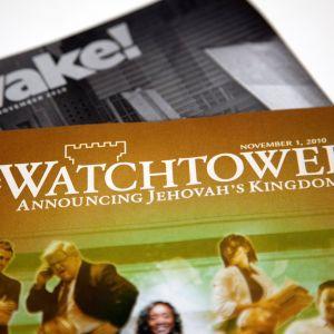 Jehovantodistajien julkaisuja.