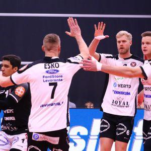 VaLePa tuulettaa voittoa CEV Cupissa.