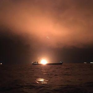 Alus tulessa Kertšinsalmella.
