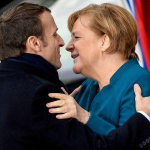 Ranskan presidentti Emmanuel Macron ja Saksan liittokansleri Angela Merkel allekirjoittivat uuden yhteistyösopimuksen Aachenissa.
