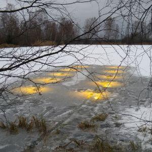 Led-valot Lammin jätevedenpuhdistamon altaassa