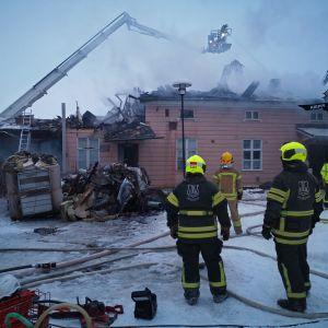 Herrströmin talo tuhoutui osin tulipalossa 29.1. 2019.