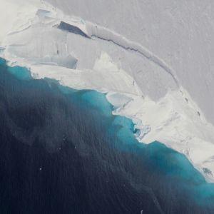 Jäätikköä kuvattuna ilmasta