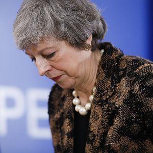 Britannian pääministerin Theresa Mayn on määrä tavata EU-komission puheenjohtaja Jean-Claude Juncker torstaina. Tässä hän on aloittamassa lehdistötilaisuutta joulukuussa.