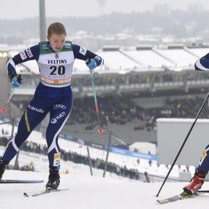 Anita Korva (vas.) ja Katri Lylynperä.