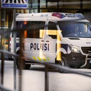 Poliisiauto Oulussa.