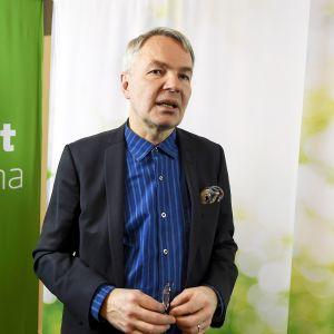 Pekka Haavisto vihreiden puoluevaltuuskunnan kokouksessa Pikkuparlamentissa Helsingissä 16. helmikuuta.