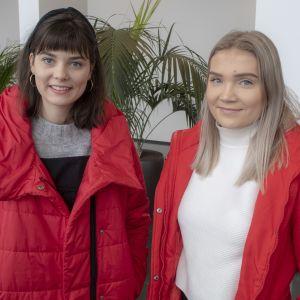 Opiskelijat Assi Kurikka ja Oona Kaljunen