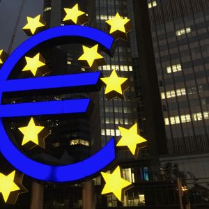 Euro-patsas, euro statue