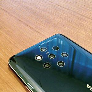 Nokia 9 Pureview'n takana on peräti viisi linssiä.