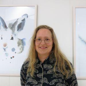 Taiteilija Elisa Ahonen