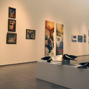 Koherenssi ja koheesio- näyttely Kemin taidemuseossa.