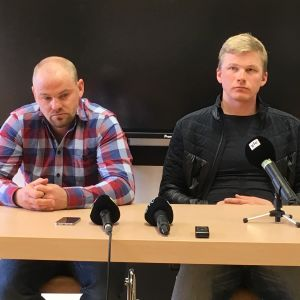Päävalmentaja Anti Saarepuu (vas.) ja Karel Tammjärv.