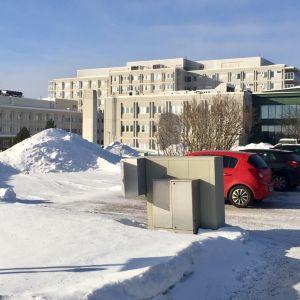 Lapin keskussairaala Rovaniemellä on Lapin sairaahoitopiirin erikoissairaanhoidon pääpaikka.