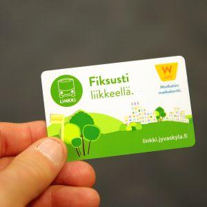 Waltti-matkakortilla matkustetaan sujuvasti Jyvässeudun Linkeillä.