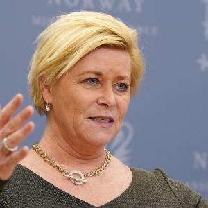 Norjan valtiovarainministeri Siv Jensen esitteli öljyrahastoa koskevia suunnitelmia perjantaina.