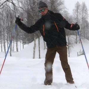 Ziggy de Nicolai, australialainen hiihtäjä Rajalta Rajalle hiihdossa.
