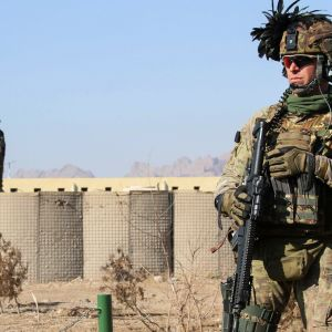 Amerikkalainen sotilas vartiossa Heratissa, Afganistanissa.