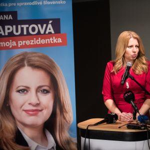 Zuzana Čaputová lähtee Slovakian presidentinvaalien toiselle kierrokselle ennakkosuosikkina.